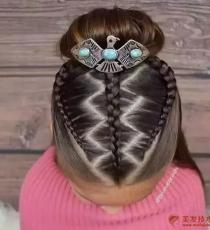 女儿的新发型